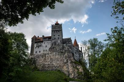 photo: Bran Castle Transylvania (vagrantsoftheworld.com)